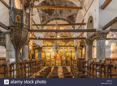 rat-castle-old-town-orthodox-church-albania-R9HF5J.jpg